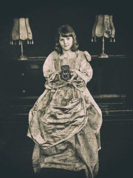 Emilia als Anastasia Romanov